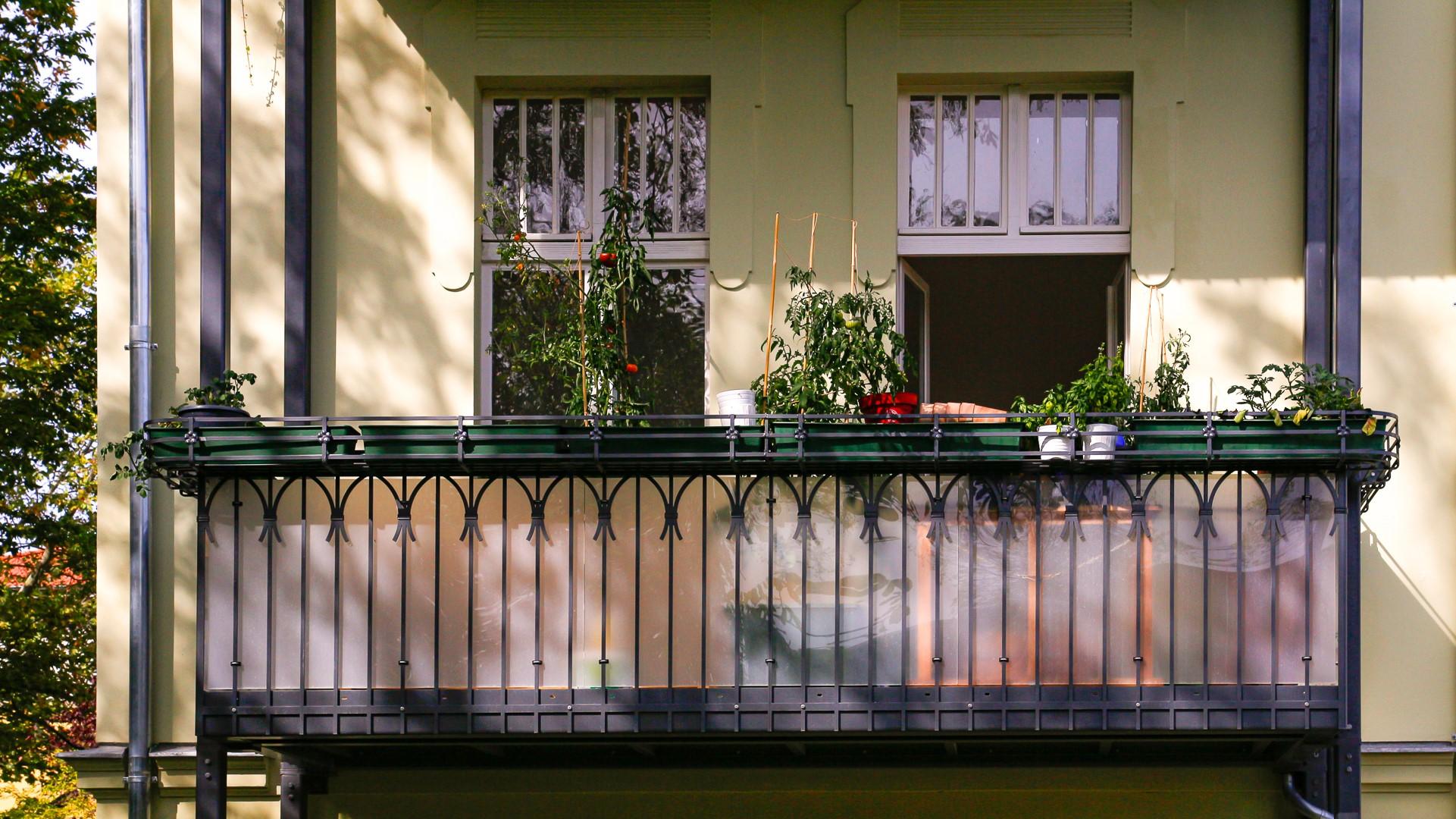 Stahlbalkon Berlin - MIKA Balkonbrüstung
